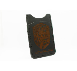 Kortholder i sort med logo, stående